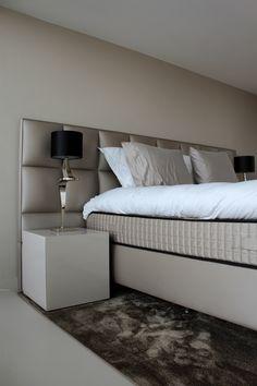PU-Gietvloer voor in de Slaapkamer | Motion Gietvloeren #Gietvloer #Kunststof #Vloeren #Interior #Design #Betonlook #Slaapkamer