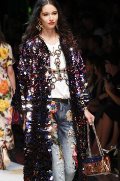 Dolce & Gabbana Spring/Summer 2017 Ready To Wear Details | British Vogue