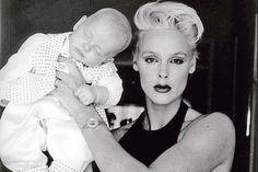 Brigitte Nielsen and son (détail), 1990.