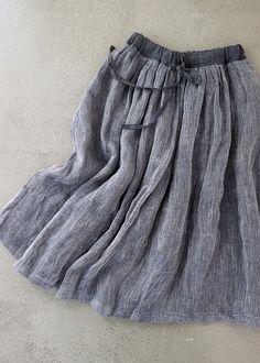 라르니에 정원 LARNIE Vintage&Zakka Summer Wardrobe, My Wardrobe, Skirt Fashion, Fashion Dresses, Hijab Fashion Inspiration, Japanese Outfits, Rock, Modest Dresses, Textiles