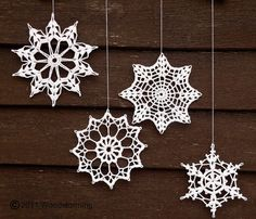 Modern Christmas Crochet: Crochet Snowflakes Decoration by Woodstorming Crochet Snowflake Pattern, Crochet Stars, Crochet Motifs, Crochet Snowflakes, Crochet Doilies, Crochet Patterns, Crochet Cozy, Knitting Patterns, Crochet Christmas Ornaments