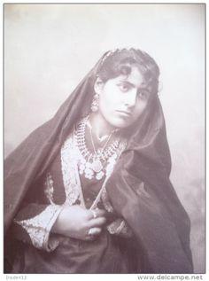 Syrian Jewish woman