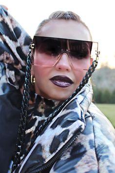 Thalia, Diva, Sunglasses, Fashion, Moda, Fashion Styles, Divas, Fasion, Shades