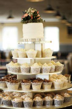 Romantic Fall Pastel Mountain Wedding | Park City Mountain Resort Wedding | Logan Walker Photography | Cupcake Tower