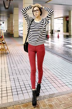 this is a cute play on the casual look. you get to feel comfortable, and stylish with minimal effort.