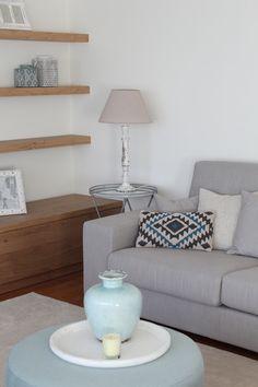 La nueva casa de Sara Carbonero en Oporto con muebles Kenay Home - sofa y cojines -
