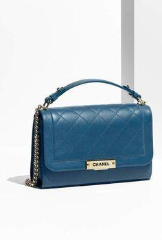 e22844abd950 211 Best Handbags images
