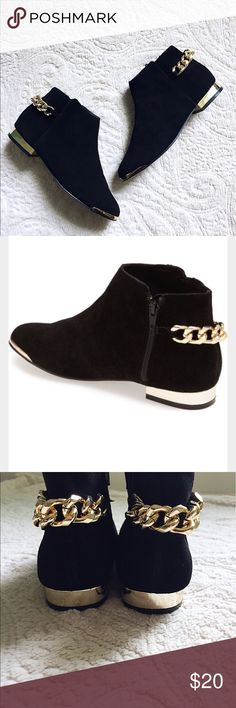 TOPSHOP Chelsea Boots Amazing chelsea boots with side zip closure and gold chain heel and toe accents. Pair is in great condition, some signs of wear on heels (see picture) but overall in good shape . Fits true to size. Topshop Shoes Ankle Boots & Booties