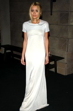 Olsens Anonymous Blog Ashley Olsen 13 Wedding Dress Ideas From The Olsen Twins Shortsleeve White Maxi Gown photo Olsens-Anonymous-Blog-Ashley-Olsen-13-Wedding-Dress-Ideas-From-The-Olsen-Twins-Shortsleeve-White-Maxi-Gown.png
