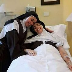 Santa Cecilia, The Nun's Story, Nuns Habits, Religion, Christian World, Perfect Bride, Mystique, Catholic Art, Big Hugs