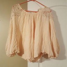 boho top Adorable batwing boho top. Would look great with jeans or shorts Tops