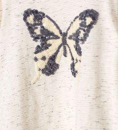 Imagen 4 de Camiseta mariposas lentejuelas de Zara