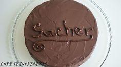 Nos recomienda hacer esta tarta de chocolate la autora del blog Lupe te da Recetas.
