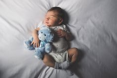 Cincinnati Lifestyle Newborn Session, Cincinnati Ohio, Kristin Brown Photography, Newborn Session, Photography, Simple, Lifestyle, Documentary, Newborn Session,bear,blue,pop of color, stretch,baby boy, little, clean,modern, natural, unposed, baby,little
