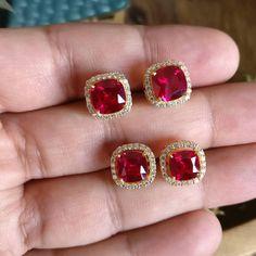 Indian Jewelry Earrings, Antique Earrings, Gold Jewelry, Gold Necklace, Cute Earrings, Beautiful Earrings, Trendy Jewelry, Fashion Jewelry, Designer Jewelry Brands