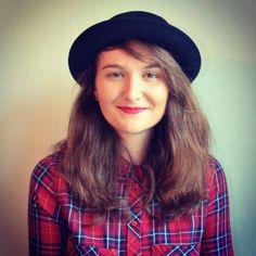 La fille avec chapeau