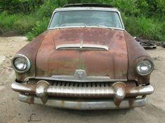 1954 Mercury Monterey Sunvalley 2 Door Hard Top Used Car Lots, Barn Garage, Abandoned Cars, Pedal Cars, Small Cars, Barn Finds, Old Cars, Mercury, Antique Cars