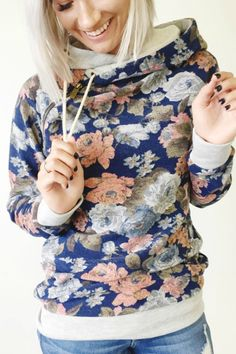 Double Hooded Sweatshirt in floral print is adorable! The grey trim is the perfect addition Sweatshirt Outfit, Cute Outfits, Fall Outfits, Fashion Outfits, Floral Tops, Raglan, Passion For Fashion, Autumn Winter Fashion, Vestidos