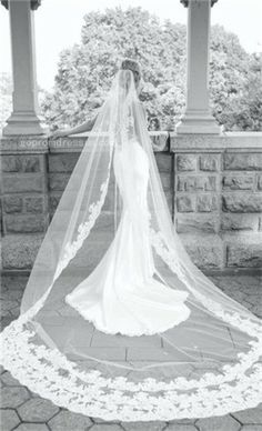 I LOVE the way this looks, pretty much my favorite pin thus far. vintage wedding dress
