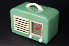 General Television Radio 591 Catalin in Turquoise Green - Rare Doll Furniture, Dollhouse Furniture, Radios, Mini Tv, Mini Houses, Victorian Ladies, Old Music, Record Player, Miniture Things