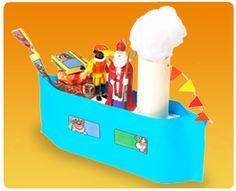 stoomboot surprise Beplak een leeg Koopmans pak met papier. Neem twee stroken papier die langer zijn dan het pak en niet ze aan de uiteinden aan elkaar. Beplak een toilletrol en plak deze op de boot. Maak van watten stoom en versier de rest van de boot. Toy Chest, Storage Chest, School, Toys, Google, Decor, Activity Toys, Decoration, Clearance Toys