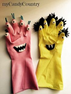 DIY Halloween Monster from Recycling Kids Halloween Rubber Gloves . - DIY Halloween Monster from Recycling Kids Halloween Rubber Gloves … – gloves - Diy Halloween, Halloween Crafts For Kids, Halloween Nails, Vintage Halloween, Kids Crafts, Arts And Crafts, Rock Crafts, Recycling For Kids, Diy For Kids