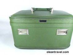Vintage Green Train Case, Vintage Luggage,Travel Case, Overnight Bag, Retro Green Train Case - http://oleantravel.com/vintage-green-train-case-vintage-luggagetravel-case-overnight-bag-retro-green-train-case