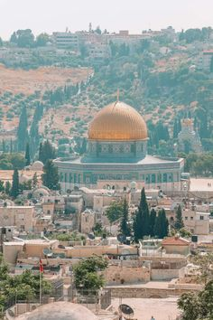 An Introduction To The Ancient City Of Jerusalem - Hand Luggage Only - Travel, Food & Photography Blog #travel #travelguide #travelphoto #travelidea #travelstyle