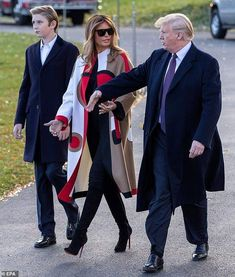 Leaving: The Trump family is spending the Thanksgiving holiday at the president's Mar-a-Lago estate in Palm Beach, Florida Trump Melania, Donald Und Melania Trump, First Lady Melania Trump, Malania Trump, John Trump, Trump Is My President, Milania Trump Style, Donald Trump Family, First Ladies