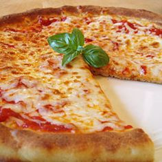 gluten free pizza.... i cant remember the last time i had pizza...this looks so good