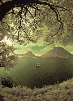 Haruna Lake And Fishermen Under Branches Best Places To Travel, Oh The Places You'll Go, Amazing Photography, Art Photography, Infrared Photography, Beautiful Places, Beautiful Pictures, Amazing Places, Wild Nature