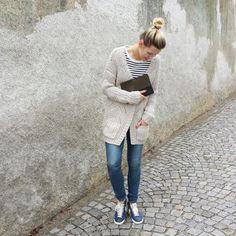 tifmys - Cos shirt, C&A cardigan, Céline clutch, H&M denim & Nike Blazer Vntg sneakers.