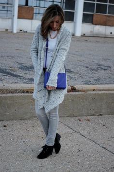 Grey sweater w grey jeggings