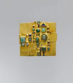 Hermann Junger - Brooch - 18K gold, emeralds, chrysoprase, sapphires, opals, lapis lazuli, and enamel