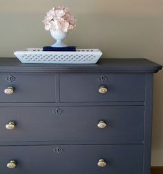 Antique Dark Grey Dresser with Antique Brass and Mother of Pearl Knobs.going to redo my old dresser to match this for baby room Painted Furniture, Bedroom Furniture, Home Furniture, Upcycled Furniture, Furniture Projects, Purple Dresser, Dresser Refinish, Dresser Knobs, Grey Paint