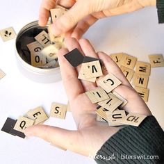 SCRABBLE MAGNET Original gift magnet letters game por Biterswit