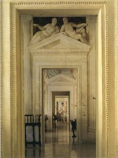 AXIS Enfilade at Villa Barbaro, Vicenza Beyond 1st door, all 'woodwork' is trompe l'oeil