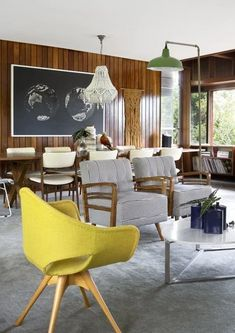 The Perth home of WA-based designer and shop owner Renee Coleman and her family. The Design Files Beautiful Interior Design, Modern Interior Design, Home Design, Mid Century Modern Design, Mid Century Modern Furniture, Mid-century Modern, Modern Living, Mid-century Interior, Modern Style Homes