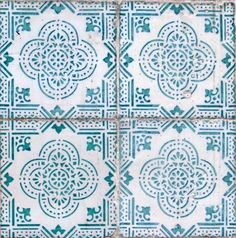 THE TILES OF LISBON : Photo