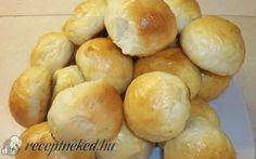 Érdekel a receptje? Kattints a képre! Bread Rolls, Minion, Hamburger, Favorite Recipes, Food, Rolls, Buns, Essen, Minions