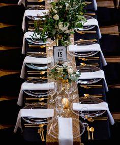 Glam Chicago Wedding with Art Deco Details - Hochzeit Fiesta Art Deco, Art Deco Party, Great Gatsby Wedding, Wedding Reception, Trendy Wedding, Wedding Art, Wedding Vintage, Wedding Ideas, Reception Signs
