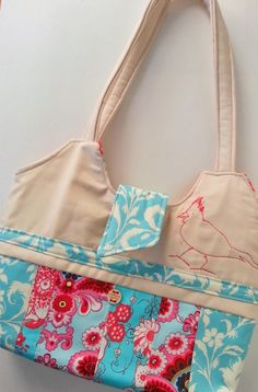 Pretty Strip-Quilted Handbag - PDF Sewing Pattern from AggieRay Designs  Quilted Handbags d98cd73f340df