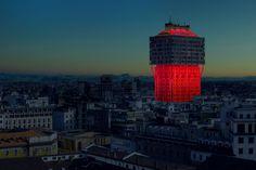 Ingo Maurer, SAVERIO LOMBARDI VALLAURI · Milano Design Week. Glow, Velasca, Glow! · Divisare