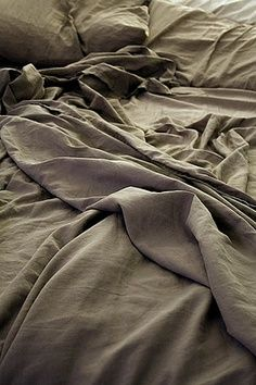 Texture and color Tactile Texture, Bed Back, Linen Duvet, Linen Fabric, Grey Flooring, Elements Of Art, Bed Styling, Wabi Sabi, Bed Sheets