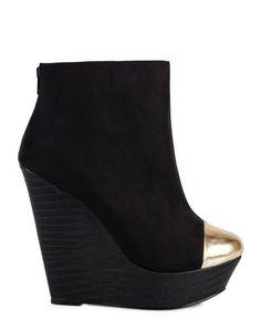 Černé kotníkové boty na klínku se zlatou špičkou Timeless ca207b50185