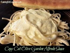 Copy Cat Olive Garden Alfredo Sauce Recipe- egg replaces the typical flour roue I Love Food, Good Food, Yummy Food, Mayonnaise, Chutney, Great Recipes, Favorite Recipes, Interesting Recipes, Sauces