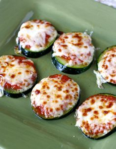 Zucchini Pizza Bites, yummy for after school snacks, sides and late night munchies! via What Megan's Making #healthy #lowcarb