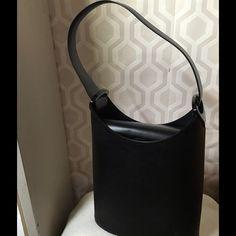 664abc14f029 Louis Vuitton EPI Leather Verseau black bag Stunning LV EPI Leather Verseau  Black Leather bag   black epi Lois Vuitton Sac Verseau bag with cachet a  leather ...