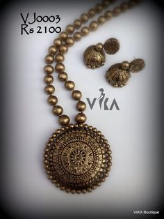 Teracotta Mala with Earring set Bead Jewellery, Fashion Jewelry Necklaces, Temple Jewellery, Trendy Jewelry, Handmade Jewelry, Beaded Necklace Patterns, Jewelry Patterns, Teracotta Jewellery, Terracotta Jewellery Designs