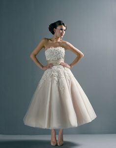 This dress is Justin Alexander from Signature Bridal and I saw it at the Bridal Extravaganza and was like OMG!